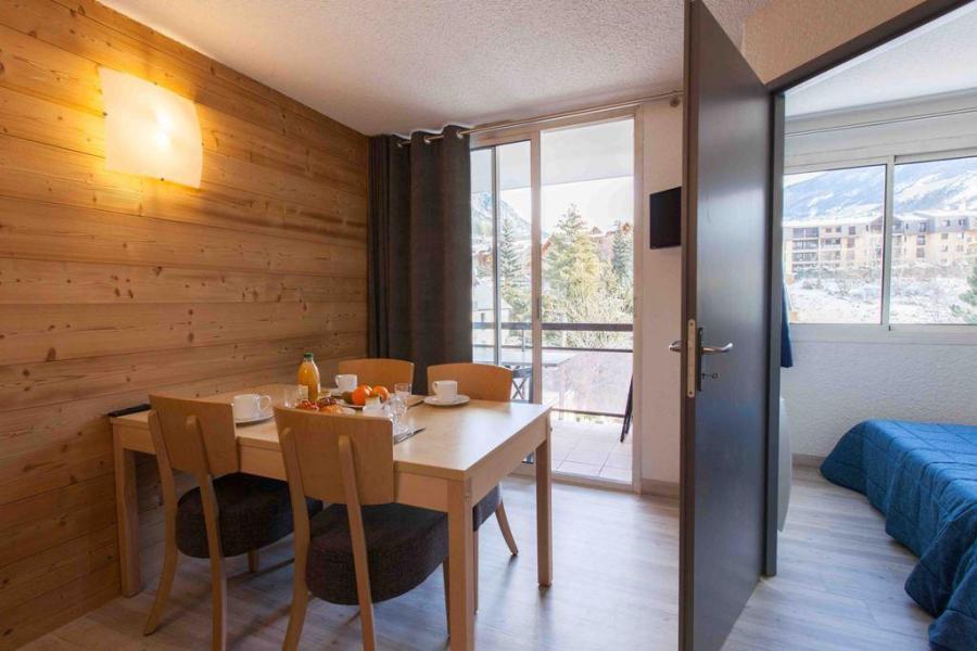 Location au ski Le Relais de la Guisane - Serre Chevalier - Table