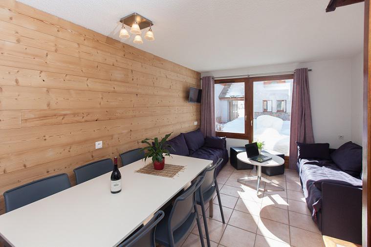Location au ski Chalet duplex 3 pièces 6 personnes (32) - Les Chalets du Jardin Alpin - Serre Chevalier - Table