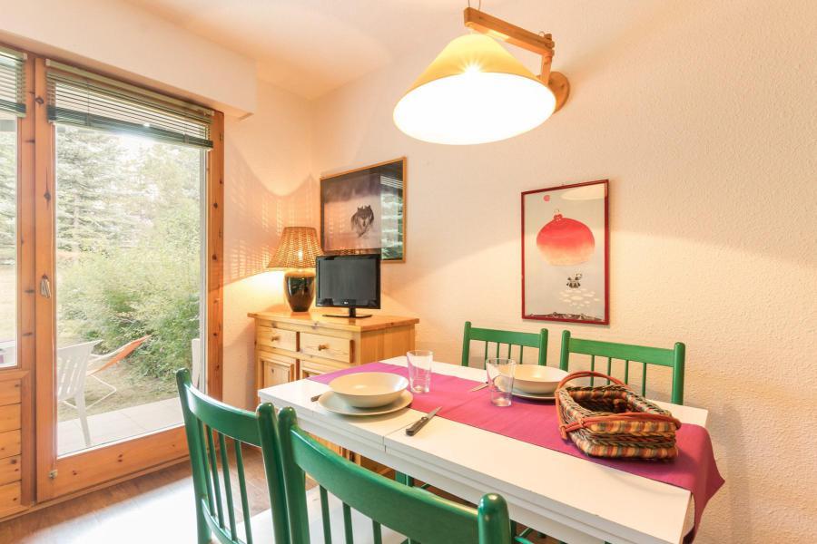 Location au ski Studio coin montagne 4 personnes (4) - Résidence Chardons Bleus - Serre Chevalier - Table