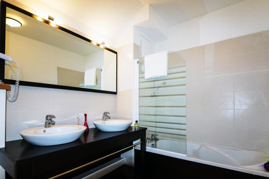 Rent in ski resort Résidence l'Aigle Bleu - Serre Chevalier - Bathroom