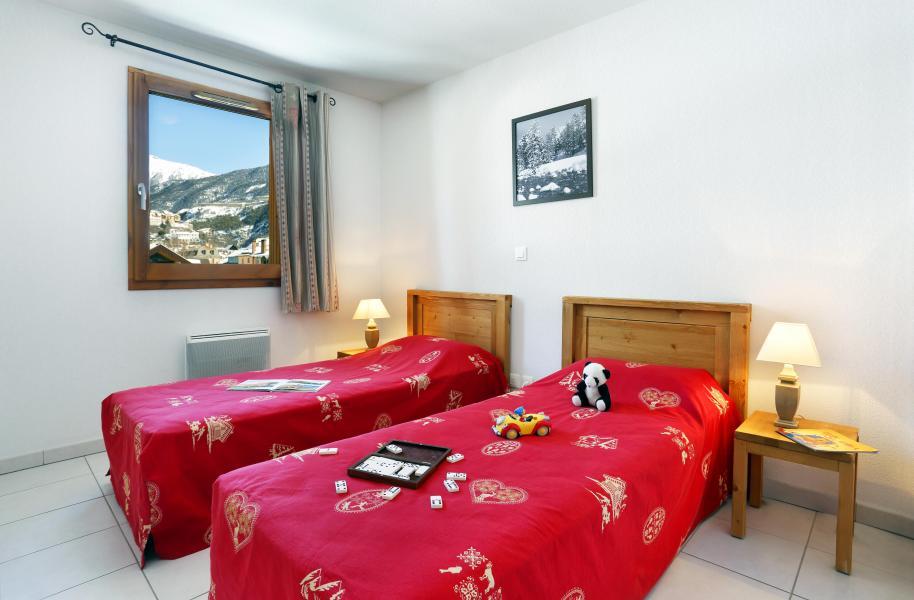 Rent in ski resort Résidence l'Aigle Bleu - Serre Chevalier - Bedroom