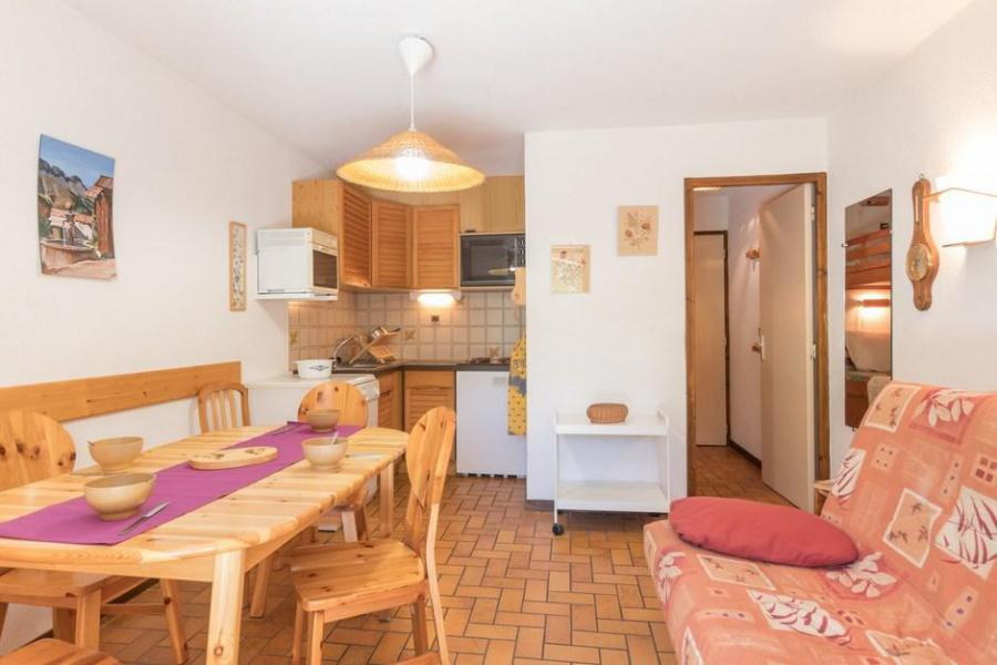 Ski verhuur Appartement 2 kamers bergnis 5 personen (305) - Résidence la Gardiole - Serre Chevalier - Tafel