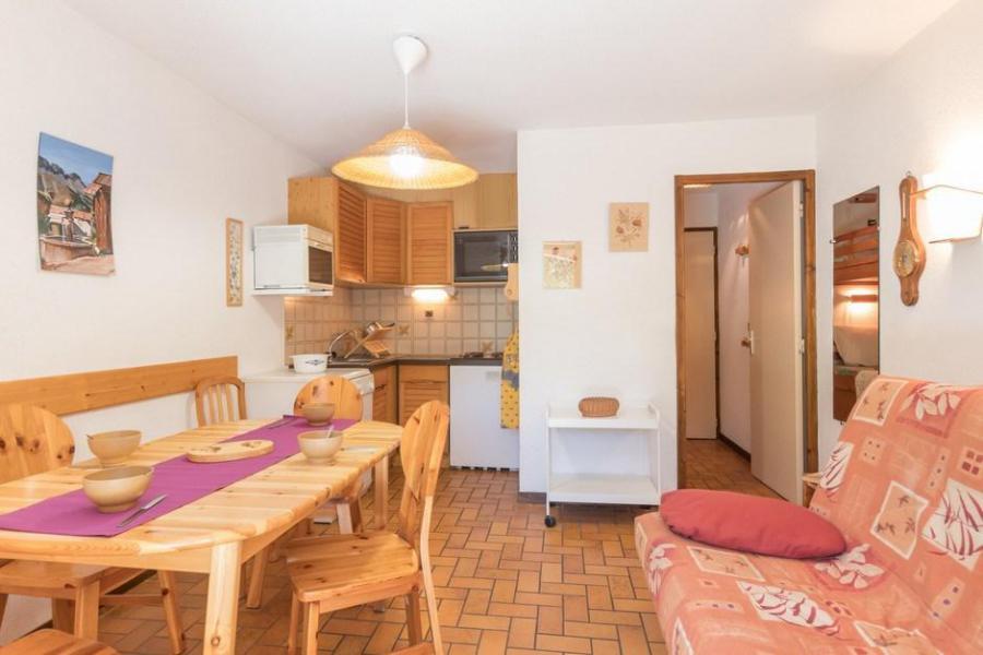 Location au ski Appartement 2 pièces coin montagne 5 personnes (305) - Résidence la Gardiole - Serre Chevalier - Table