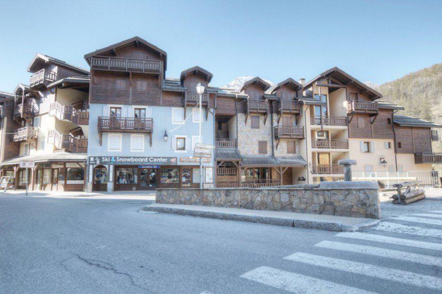 Location au ski Résidence le Clos - Serre Chevalier - Extérieur hiver