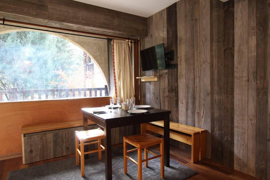 Ski verhuur Studio cabine 6 personen (A021) - Résidence le Prarial - Serre Chevalier - Tafel