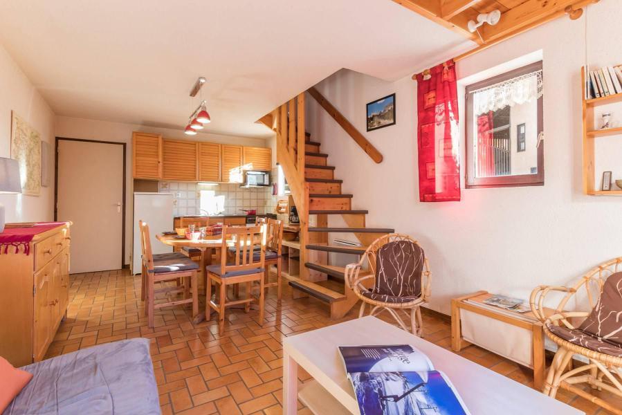 r sidence les fraches serre chevalier location vacances ski serre chevalier ski planet. Black Bedroom Furniture Sets. Home Design Ideas