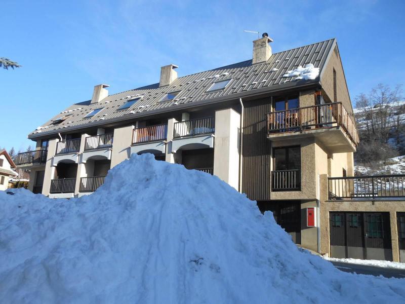 Vacances en montagne Studio cabine 6 personnes (GIBA9) - Résidence les Tamborels - Serre Chevalier - Extérieur hiver