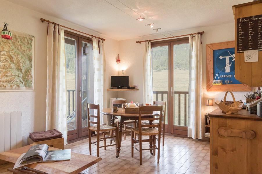 Location au ski Appartement 2 pièces 4 personnes (112) - Résidence Saint Appolonie - Serre Chevalier - Séjour