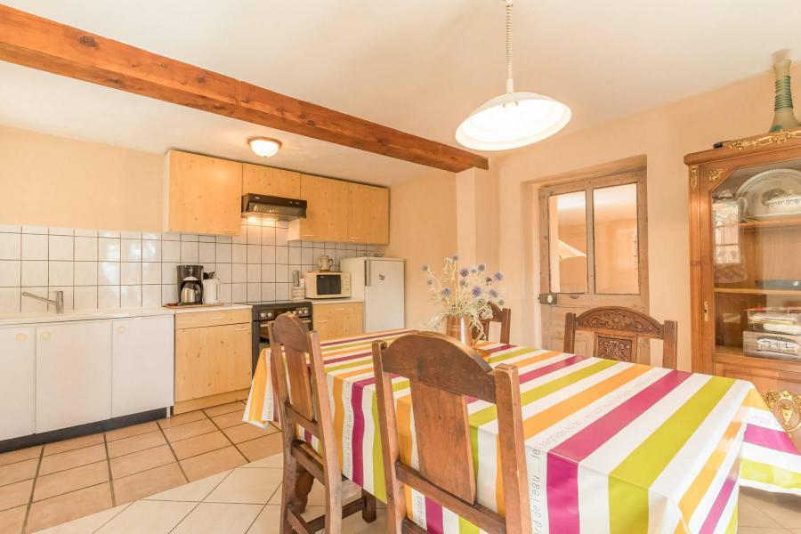 Location au ski Appartement 3 pièces 5 personnes (SEINT3) - Rue du Professeur Forgues - Serre Chevalier - Table