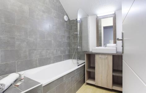 Rent in ski resort Résidence Aquisana - Serre Chevalier - Bathroom