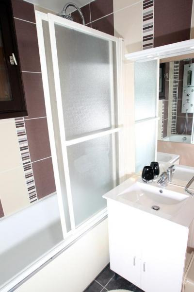 Location au ski Studio 5 personnes (000) - Residence Bois Des Coqs - Serre Chevalier - Salle de bains