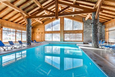 Location au ski Résidence Lagrange le Hameau du Rocher Blanc - Serre Chevalier - Piscine