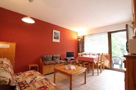 Rent in ski resort Studio sleeping corner 4 people (B014) - Résidence le Clos des Cavales 2 - Serre Chevalier - BZ-sofa