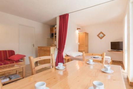 Rent in ski resort Studio sleeping corner 5 people (B013) - Résidence le Clos des Cavales 2 - Serre Chevalier - Apartment