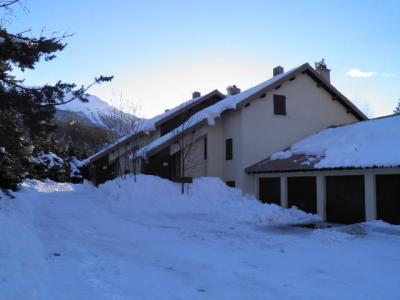 Location au ski Residence Le Clos Des Cavales - Serre Chevalier - Extérieur hiver