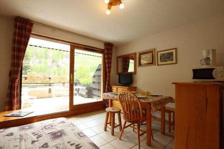 Location au ski Studio coin montagne 4 personnes (019) - Résidence le Clos - Serre Chevalier - Table