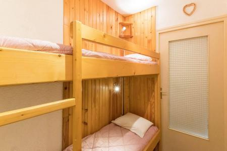 Rent in ski resort Studio sleeping corner 4 people (NED103) - Résidence Le Forum - Serre Chevalier