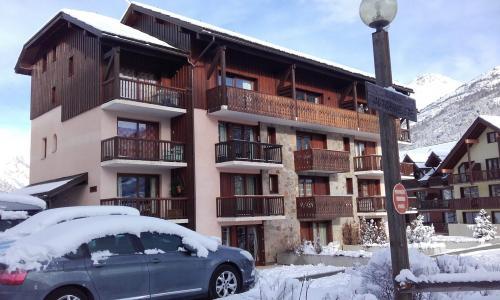 Location au ski Residence Le Hameau Du Bez - Serre Chevalier - Extérieur hiver