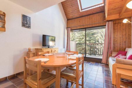Location au ski Studio cabine 6 personnes (1A09) - Résidence les Tamborels - Serre Chevalier - Table