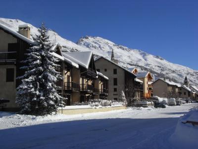 Location au ski Studio coin montagne 4 personnes (011) - Residence Myosotis - Serre Chevalier