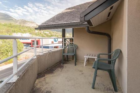 Location au ski Studio 4 personnes (307) - Residence Pre Du Moulin F - Serre Chevalier - Balcon
