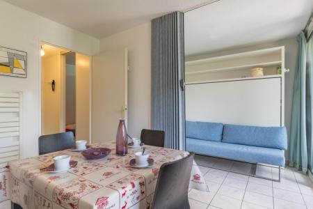 Location au ski Appartement 2 pièces coin montagne 4 personnes (DER308) - Résidence Relais Guisane II - Serre Chevalier - Lit armoire 2 personnes