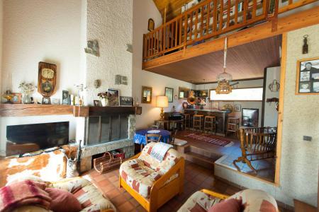 Rent in ski resort 6 room mezzanine villa 14 people - Villa Individuelle Hameau de Pont de Cervières - Serre Chevalier - Living room