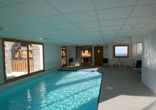 Residence o sancy by residandco super besse location for Super besse piscine