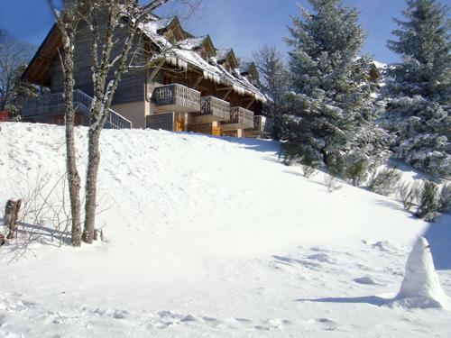 r sidence le bois de la reine 20 super besse location vacances ski super besse ski planet. Black Bedroom Furniture Sets. Home Design Ideas