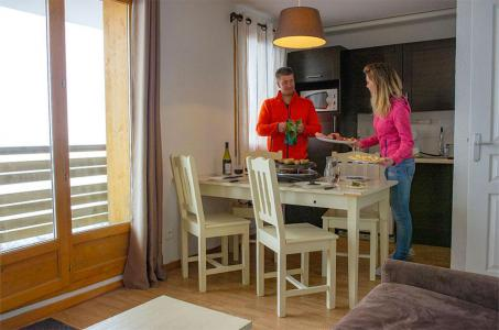 Rent in ski resort Les Chalets de Super-Besse - Super Besse - Kitchenette