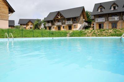 Location au ski Residence Le Bois De La Reine - Super Besse - Piscine