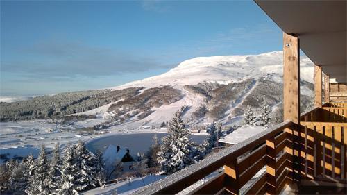 Location au ski Residence Ondeale - Super Besse - Extérieur hiver