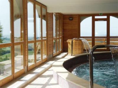 Location au ski Residence Ondeale - Super Besse - Jacuzzi