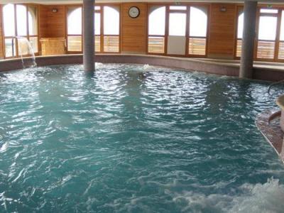 Location au ski Residence Ondeale - Super Besse - Piscine