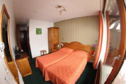 Location au ski Hotel Les Chardonnelles - Superdévoluy
