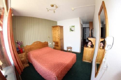 Superdévoluy - HOTEL LES CHARDONNELLES - Chambre Triple (3 personnes)