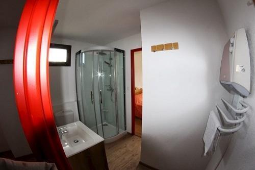 Location au ski Hotel Les Chardonnelles - Superdévoluy - Salle de bains