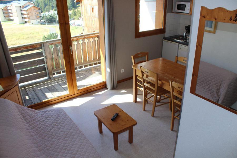 Location au ski Appartement 2 pièces coin montagne 6 personnes (HE54) - Les Chalets de SuperD Hélianthème - Superdévoluy - Table