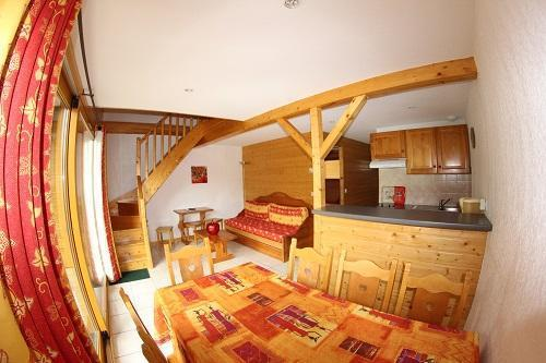 Location au ski Residence Chalets Margot - Superdévoluy - Coin repas