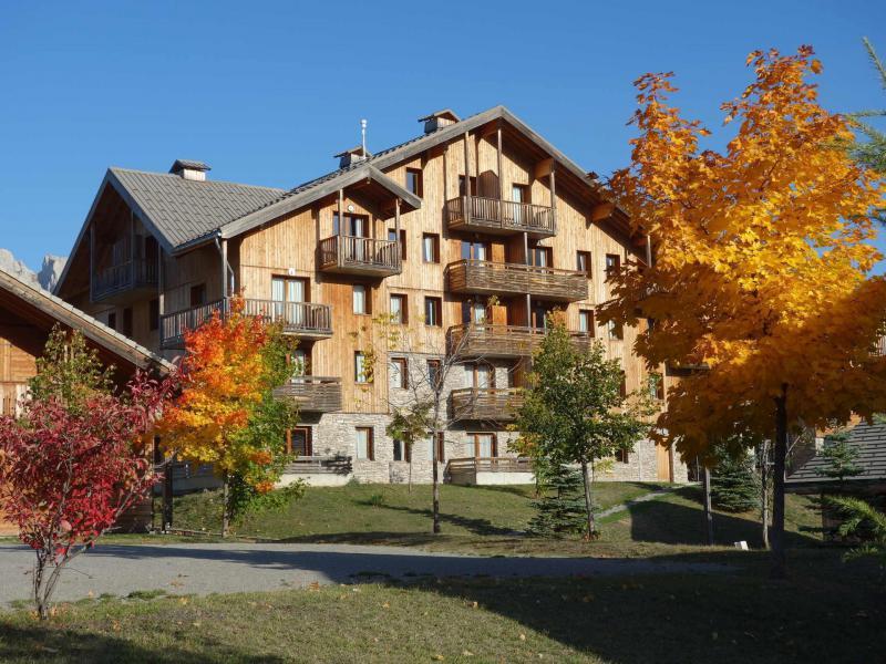 Location au ski Résidence le Hameau du Puy - Superdévoluy - Extérieur hiver