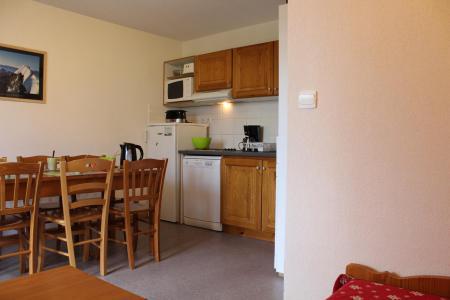 Rent in ski resort 2 room apartment sleeping corner 6 people (CE33) - La Résidence les Chaumettes - Superdévoluy