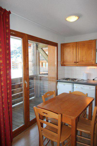 Rent in ski resort 3 room apartment cabin 4 people (BL33) - Les Chalets de SuperD Bleuet - Superdévoluy - Table