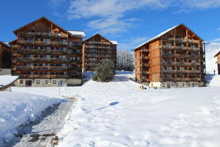 Rent in ski resort Les Chalets de SuperD Chardon Bleu - Superdévoluy - Winter outside