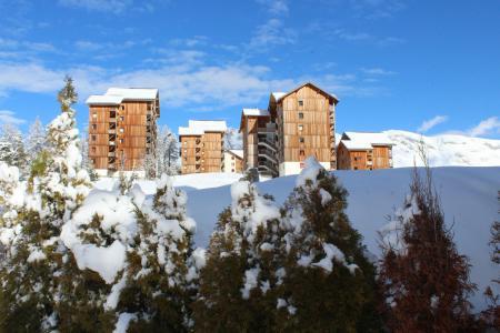 Rent in ski resort Les Chalets de SuperD Eglantier - Superdévoluy - Winter outside