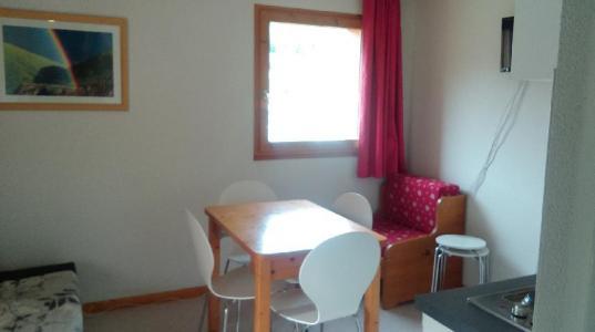 Rent in ski resort 3 room apartment 4 people (GE21) - Les Chalets de SuperD Gentiane - Superdévoluy - Dining area