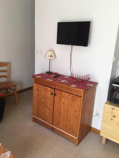 Rent in ski resort 4 room apartment 8 people (HE15) - Les Chalets de SuperD Hélianthème - Superdévoluy - Bed-settee