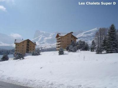 Les Chalets Superd winter outside