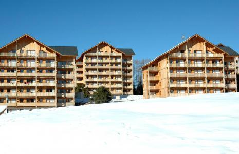 Rent in ski resort Les Chalets Superd - Superdévoluy - Winter outside