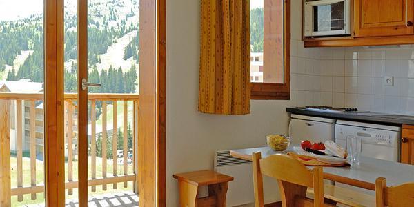 Rent in ski resort Les Chalets Superd - Superdévoluy - Dining area
