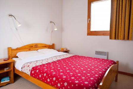 Rent in ski resort Les Chalets Superd - Superdévoluy - Double bed